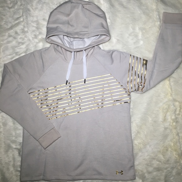 Under Armour Tops - **LOWEST OFFER** NWT Under Armour hoodie